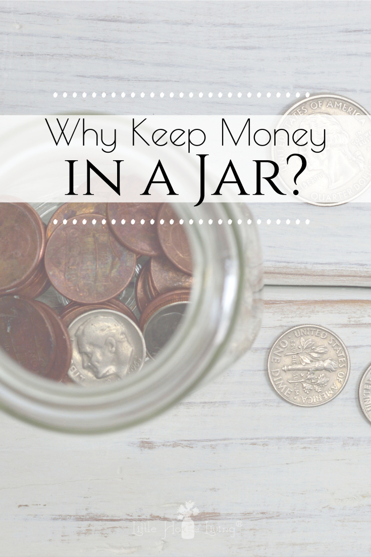 """Don't think it's worth it to keep a """"money in a jar"""" account? Sometimes it seems hard to have any kind of savings but it's always worth it! Today I'm sharing some examples. #moneyinajar #coinjar"""