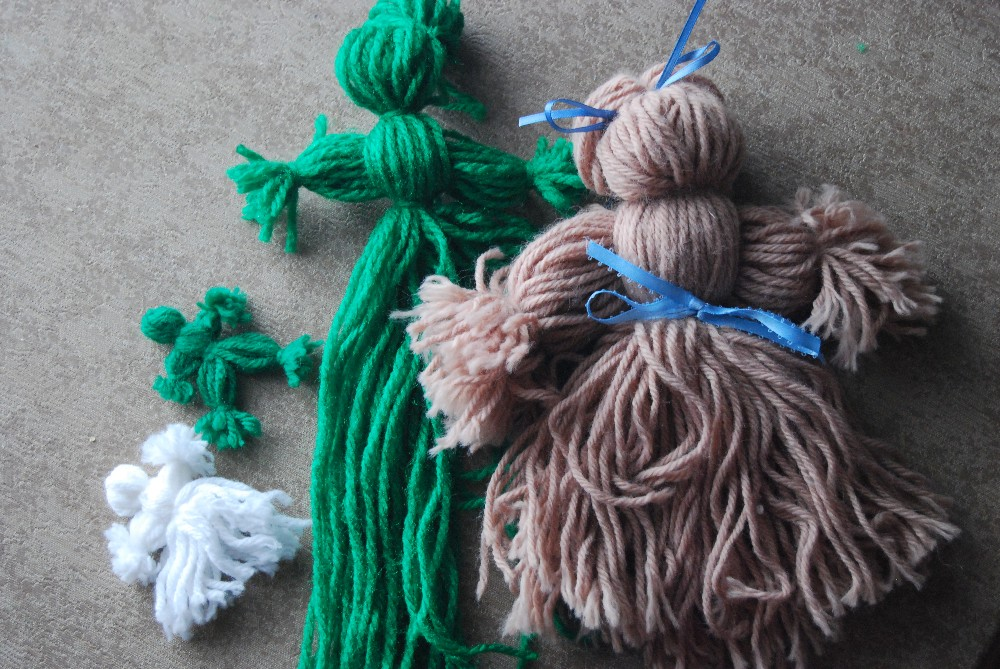 Simple Toys: How to Make Yarn Dolls