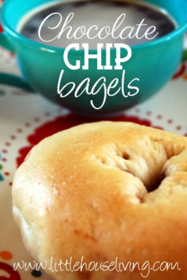 Do you love to pick up bagels from the grocery store bakery to have for breakfast? This amazing homemade Chocolate Chip Bagel recipe can give you that bakery-fresh taste right from your own kitchen! #chocolatechipbagels