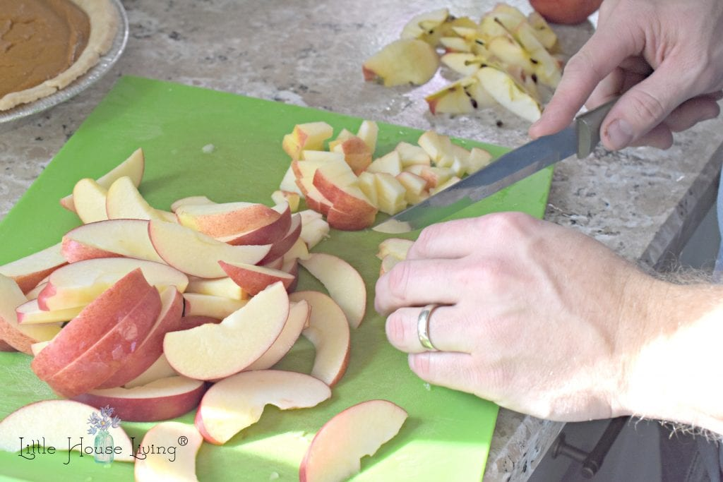 Cutting up Apples