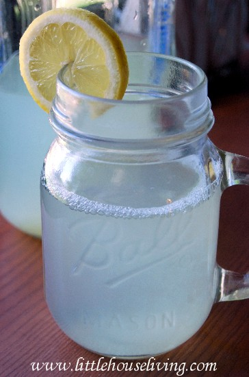 Little House Living - Fresh Homemade Lemonade Recipe