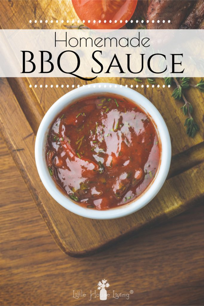 How to make your own Simple Homemade BBQ Sauce with a few simple ingredients! Perfect for chicken, pork, or any other recipe that calls for barbecue sauce. #homemade #barbecue #bbqsauce #fromscratch