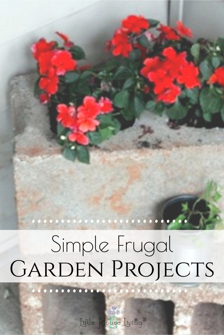 Here are some easy DIY Garden Project ideas that anyone can make to add to your garden or use around your home. #gardenprojects #diy #makeyourown #garden