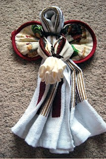 Post image for Simple Homemade Gifts: Dishtowel Angels