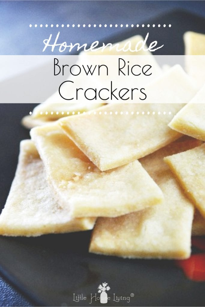Have you ever tried to make your own crackers? This crunchy little brown rice crackers recipe is perfect if you are gluten-free or if you just want an extra helping of whole grains! #glutenfree #brownricecrackers #makeyourown #homemadecrackers #glutenfreecrackers