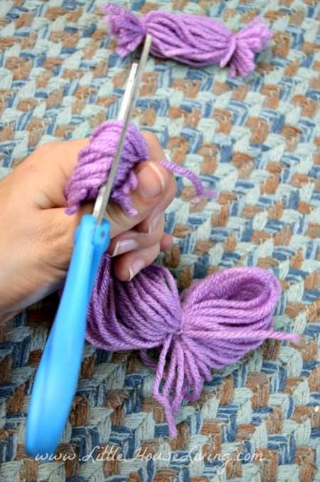 Creating a Dress on Yarn Dolls