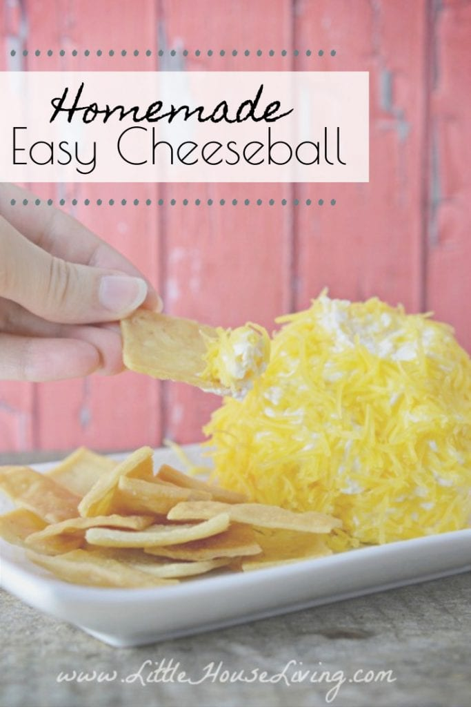 This easy Cheeseball recipe doesn't take much time to make and it doesn't need to sit to gather up the flavor, it will be great right away, perfect for your holiday parties or family dinners! #cheeseball #cheddarcheeseball #homemade #glutenfree #easyrecipes