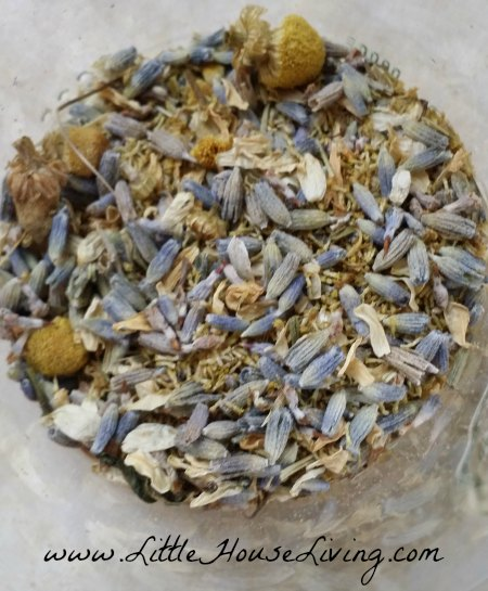 dried-lavender-body-lotion
