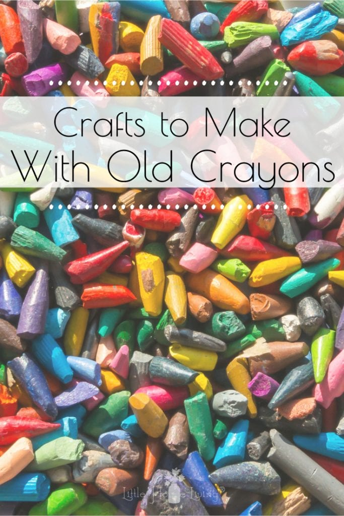 Do you have a lot of old, broken or unused crayons laying around? Give your old crayons new life with these Creative Crafts for Old Crayons! #recylecrayons #reusecrayons #creativecrafts #craftsforoldcrayons #crayoncrafts