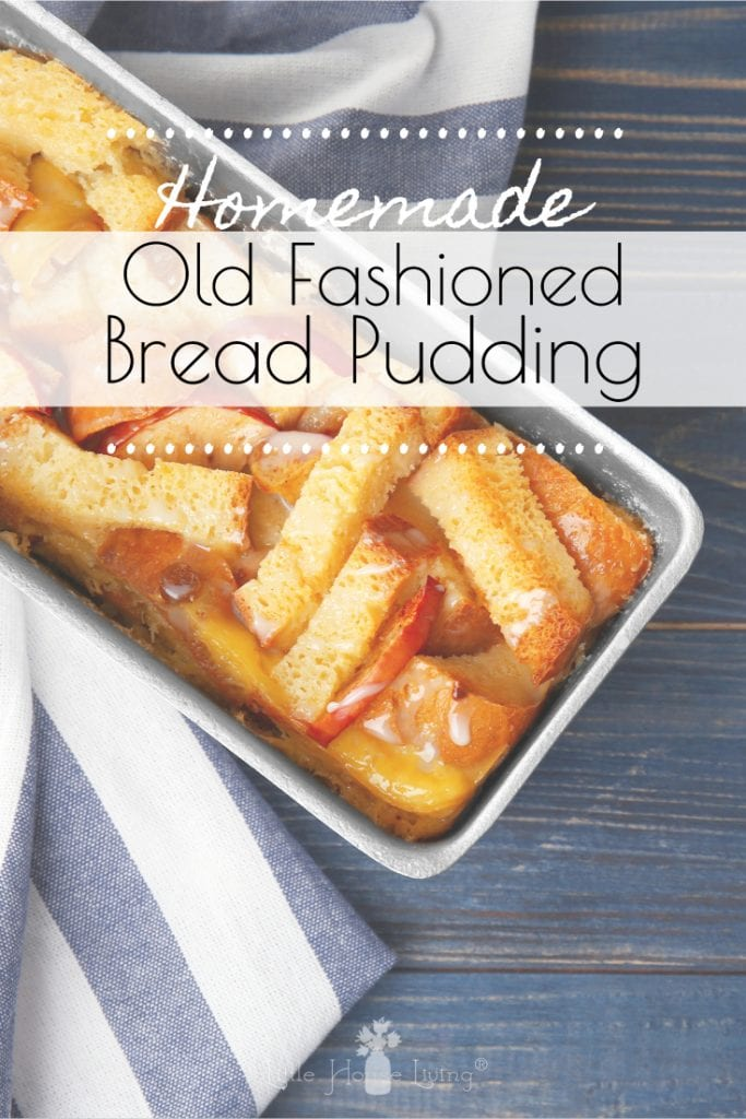 Who doesn't love a great Old Fashioned Bread Pudding recipe? This one is amazing! #breadpudding #oldfashionedbreadpudding