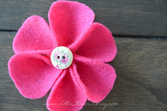 How to Make Affordable Felt Flower Embellishments