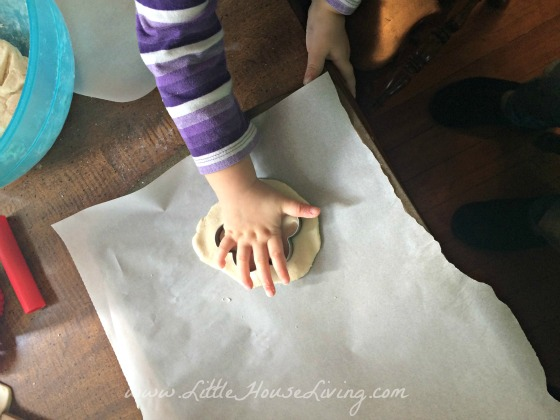 5 Fun and Frugal Playdough Recipes to Try