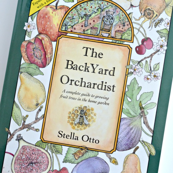 The Backyard Orchardist: A Review & Giveaway