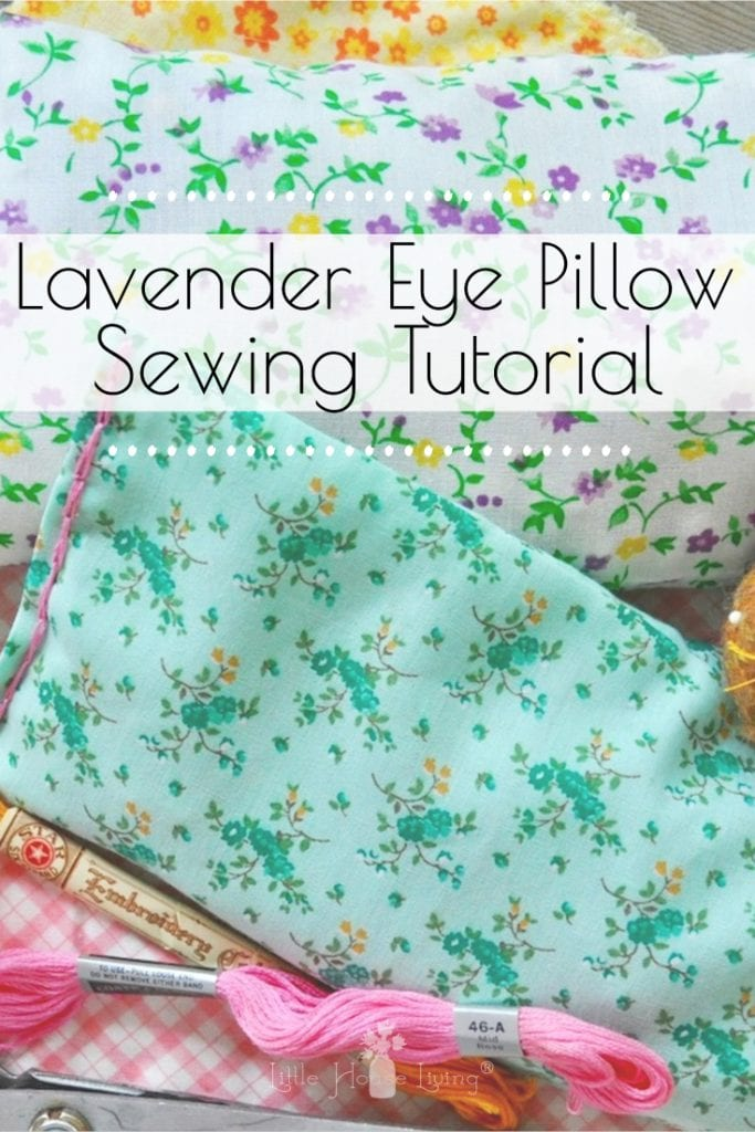 This Lavender Eye Pillow Pattern is perfect for those days when you just need to take five minutes to sit down and relax! #diyeyepillow #easyssewingproject #lavendereyepillow