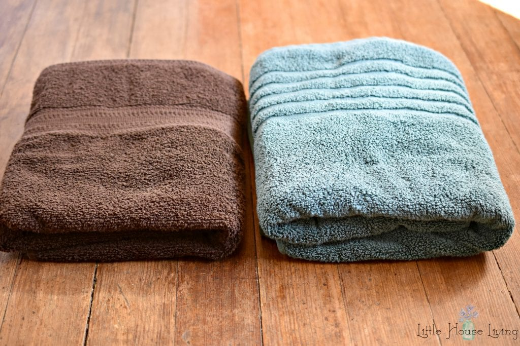 MicroCotton Towels Versus Regular Towel