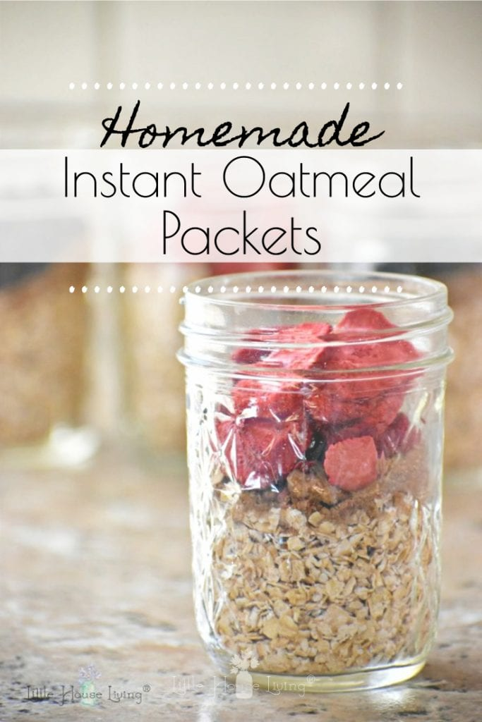 Save time and money by making your own instant oatmeal in fun flavors! SO easy and frugal to make! #instantoatmeal #homemadeoatmeal #frugaloatmeal #makeyourown #instantoatmealrecipe #homemadeinstantoatmeal #organic #gluten free #allergenfriendly