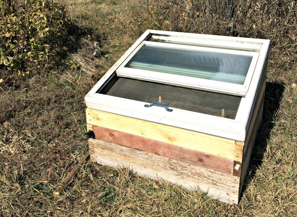 how to build a mini greenhouse for weed