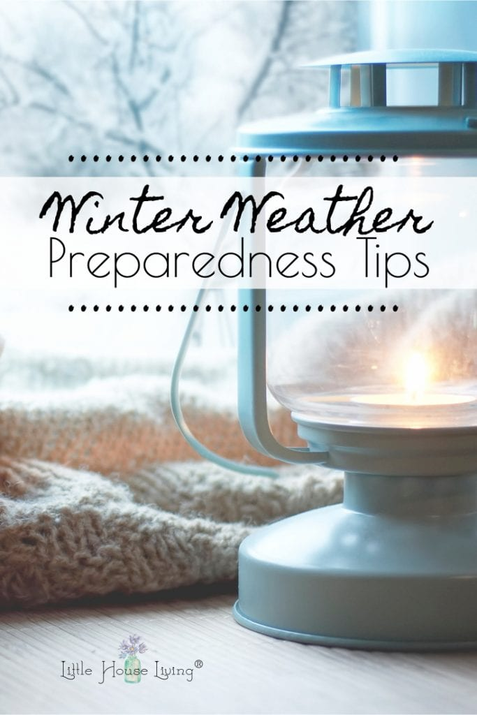 Are you ready for winter? Here are some easy winter weather preparedness tips that anyone can use. Plus a free printable checklist! #preparedness #prepping #winter #winterweather #preparingforwinter #preppingyourhouse