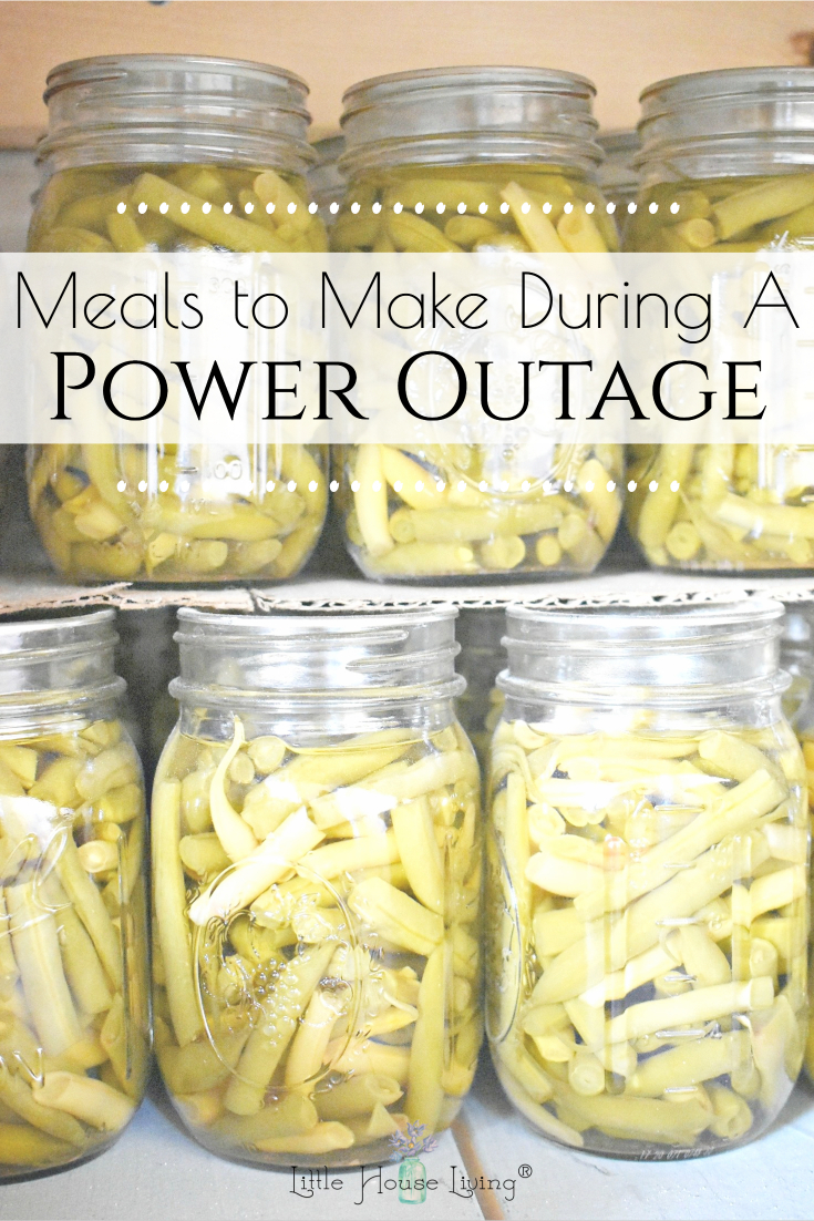 Need some ideas on what to make and what to have on hand during a power outage? Here's a must-read list of supplies and meal ideas!